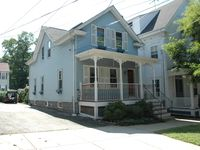 Very comfortable home in a quaint town near water