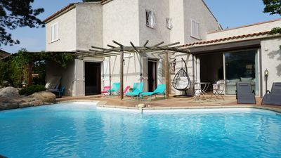 Photo for Charming villa with private pool and jacuzzi near Pinarello