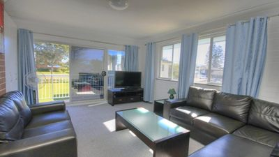 Photo for 45 Wharf St - Walk to the Rockpool!