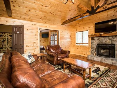 This cabin is a 6 bedroom(s), 4 bathrooms, located in McGaheysville, VA.
