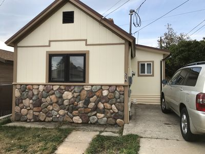 Photo for Like new 1 bedroom cottage with queen size sleep sofa in living room