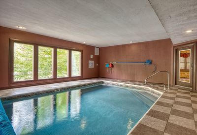 5 Bedroom Private Indoor Swimming Pool Cabin with Home Theater in Cosby -  Cosby