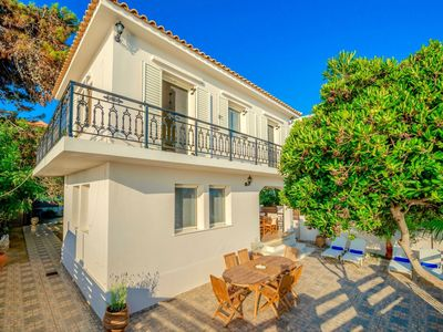 Photo for Beautiful private villa for 8 people with A/C, private pool, WIFI, TV, balcony and parking