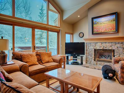 Photo for Walk to downtown Breckenridge, private hot tub, pool!