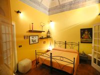 A great apartment well located in Catania.