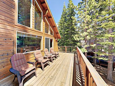Photo for Magnificent Tahoe Donner Retreat w/ Hot Tub & Fireplace - Ski, Swim & Dine