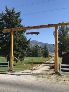 Welcome to Z BAR Z Ranch Entrance