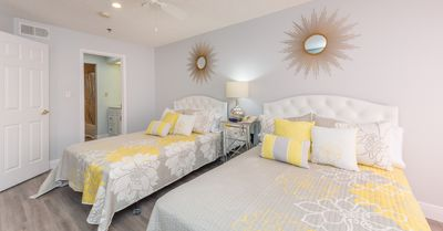 Photo for Dazzling Newly Renovated Condo 1.5 miles to Disney