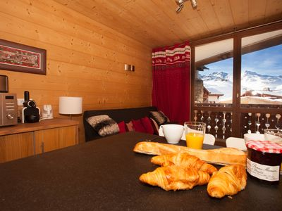 Photo for Very comfortable South-exposed apartment sleeps 3-4 at the foot of the slopes