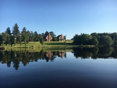 Kingfisher Lodge - a view from the lake
