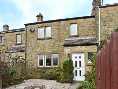 Photo for KNIGHT'S COTTAGE, pet friendly in Stainforth, Ref 12762