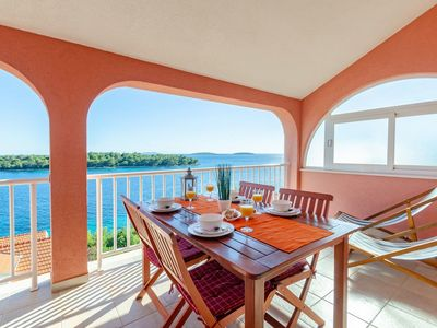 Photo for One bedroom apartment with terrace and sea view Karbuni (Korčula)