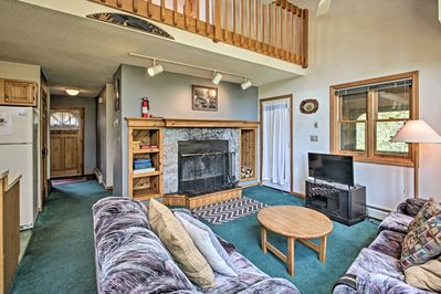 Bring the whole family to this Woodstock townhouse to enjoy the countryside!