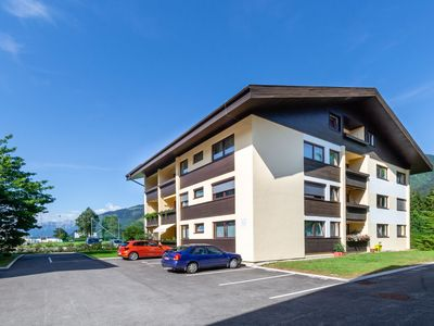 Photo for Child-friendly Apartment in Zell am See near Lake