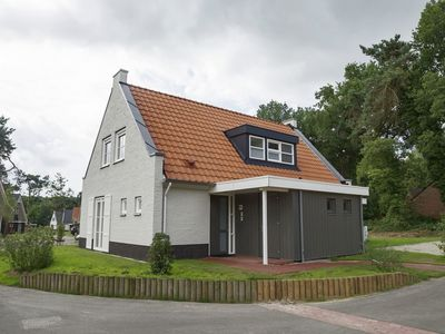 Photo for 6BR Bungalow Vacation Rental in Overloon