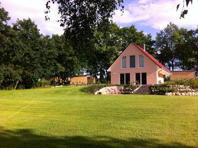 Photo for 5-star cottage for 6 persons, sauna, fireplace, 2500 m² plot, motor boat