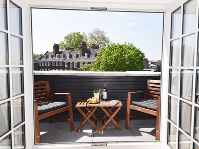 Private SE facing terrace - sun all day long