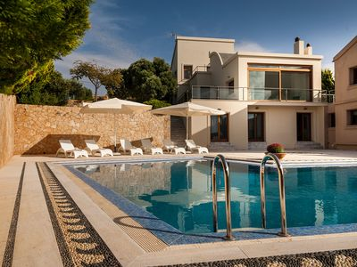 Photo for House in Kampani with Internet, Pool, Air conditioning, Parking (488735)