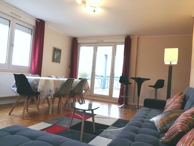 Photo for Large and beautiful apartment 107m2 + terrace & parking in Lyon Saint-Rambert