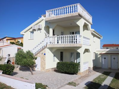 Photo for Beautiful villa on the island of Vir, 40m from the sea - 1. floor