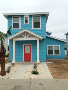 Photo for 4br/3.5 Bath Minutes From The Beach