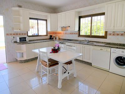 Photo for Apartment in l'Alfàs del Pi with Parking, Internet, Washing machine, Air conditioning (90779)