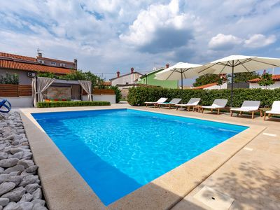 Photo for Comfortable holiday home with private pool, whirlpool and summer kitchen