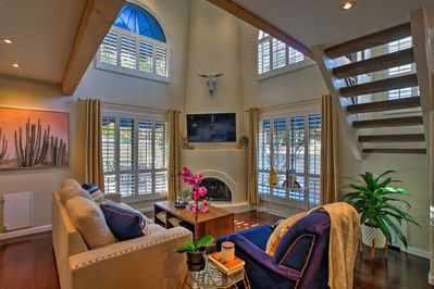This 2-bedroom, 1.5-bath vacation rental treats you to a luxurious Phoenix trip!