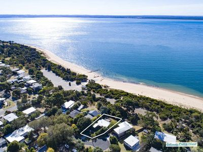 Photo for Glen Isla on the Beach - 3 bedrooms direct access to the foreshore.