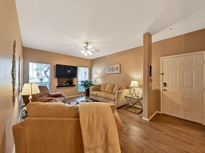 Photo for Luxury Allison Condo: Newly Remodeled: *Free 30 minute Helicopter Ride for 2