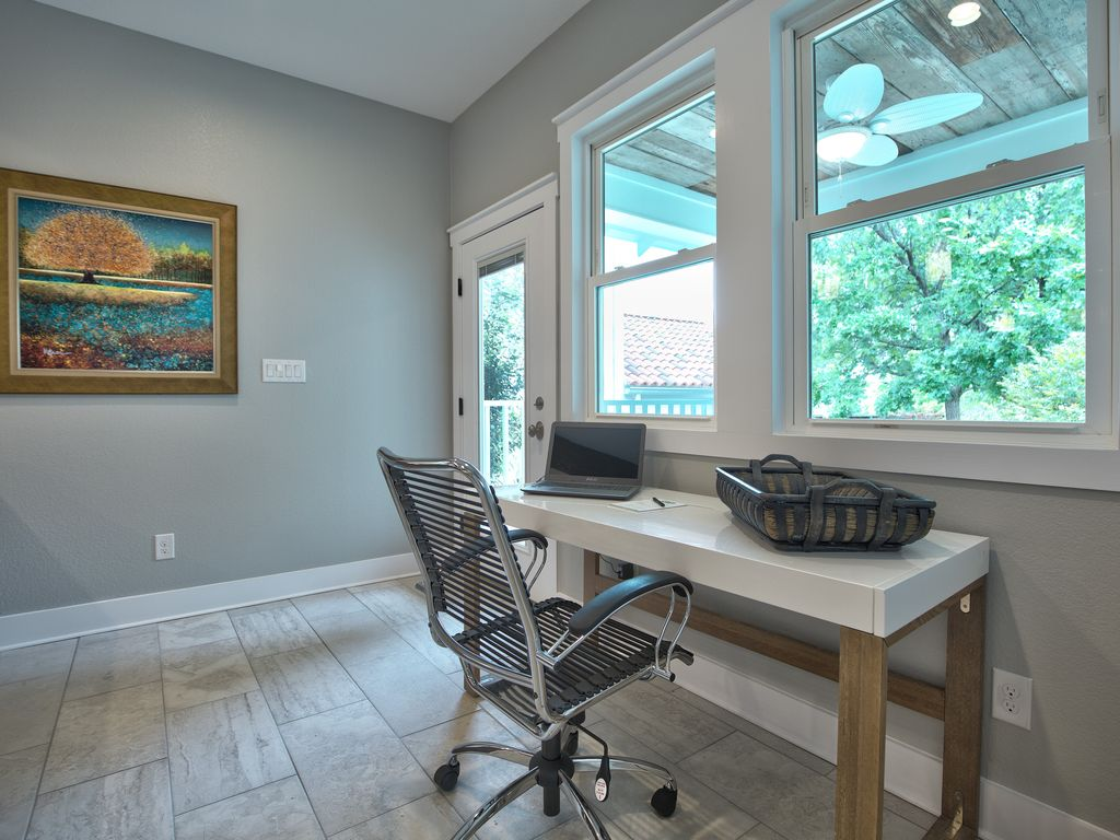 Lovely Like New Home in the Cultural District - VRBO