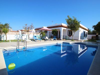 Photo for Casa Cristina is a nice house only 300m from Conil with private pool and garden, with Wifi and air condition.