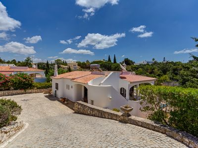 Photo for A spacious 3 bed villa with air con and private swimming pool