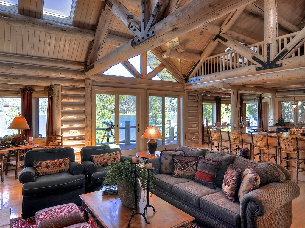 The grand 39 big bear luxury lakefront log h homeaway for Log cabins in big bear
