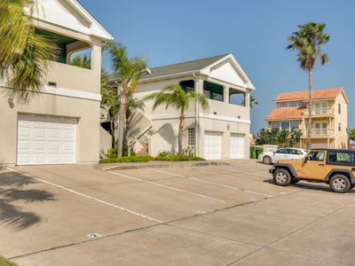 Photo for Spacious condo w/ well-appointed deck & easy beach access!