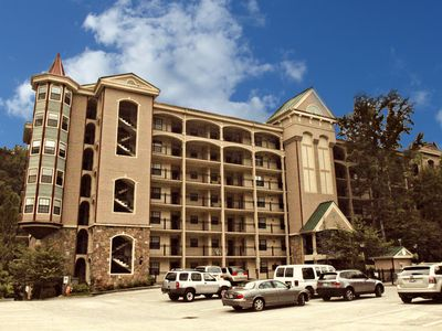 Gatehouse 307 - Great Condos Just outside downtown Gatlinburg!