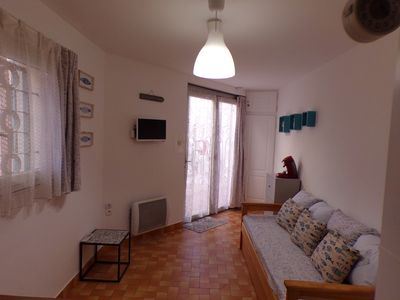 Photo for CASSIS Center Studio + relaxation area / dressing room 100m from the port, 250m from the beaches.