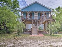 Great house!!! Convenient to beach access and clean!! Ready to go back!