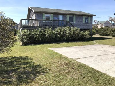 Photo for 🐬 Silver Girl, 3BR 2BA Cottage, Hot Tub, Close to Beach