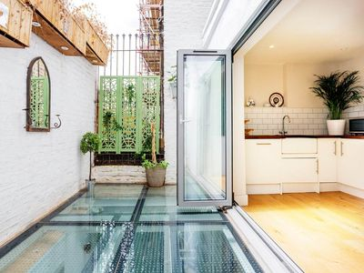 Photo for Unique 2 bed only moments from Portobello Market in Notting Hill (Veeve)