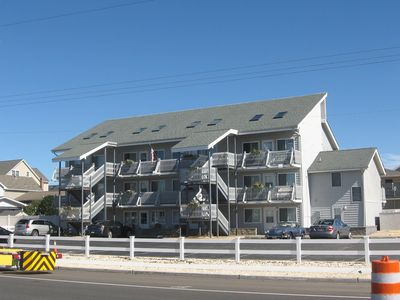 Photo for BEACH BLOCK, GREAT LOCATION. SHORT WALK OR DRIVE TO THE BEACH!