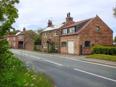 Photo for THE THANKFUL FORGE, pet friendly in Catwick, Ref 940460