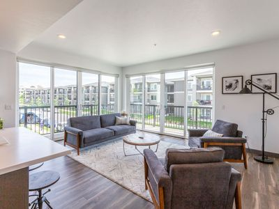 Photo for 207 Downtown High End 2 bd 2 ba Apartment
