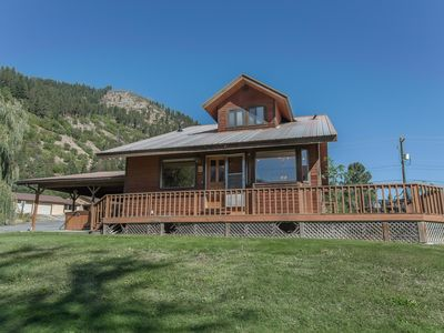 Photo for Mountain View Cottage-cozy cabin with panoramic mountain view