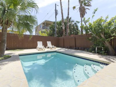 Photo for Two Story Townhouse with Private Pool! Centrally Located, Close to the Beach!