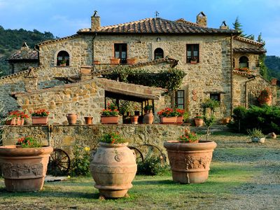 Photo for Private Villa with private pool, TV, washing machine, pets allowed, parking, close to Montalcino