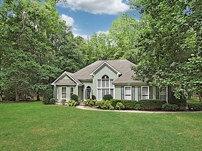 Photo for Close to UGA and downtown Athens. Sleeps 6.