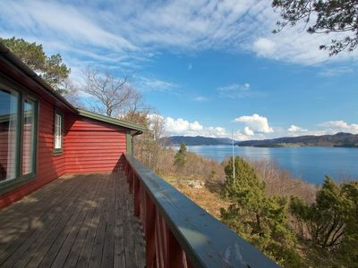 Photo for Cozy cottage with panoramic views of the Hardangerfjord