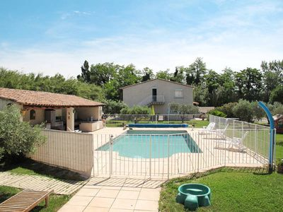 Photo for Apartment Les Lauriers  in Mallemort, Aix Avignon surroundings - 5 persons, 2 bedrooms
