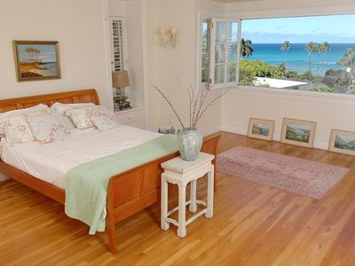 Photo for Stunning Oceanview Villa 2 Minutes from the Beach 10 minutes from Waikiki